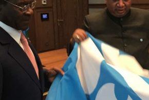 Una delegación encabezada por S.E  el Secretario General de la OPEC llega a Malabo.