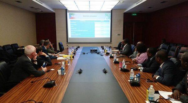 Reunión de trabajo entre el Ministerio de Minas e Hidrocarburos y  la empresa Italiana ENI.